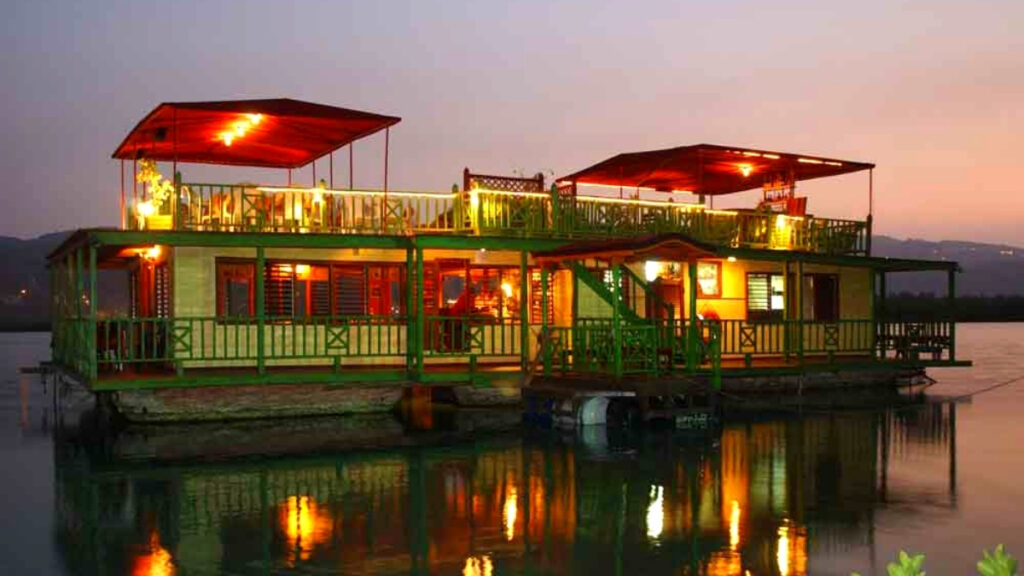 houseboat grill restaurant in montego bay