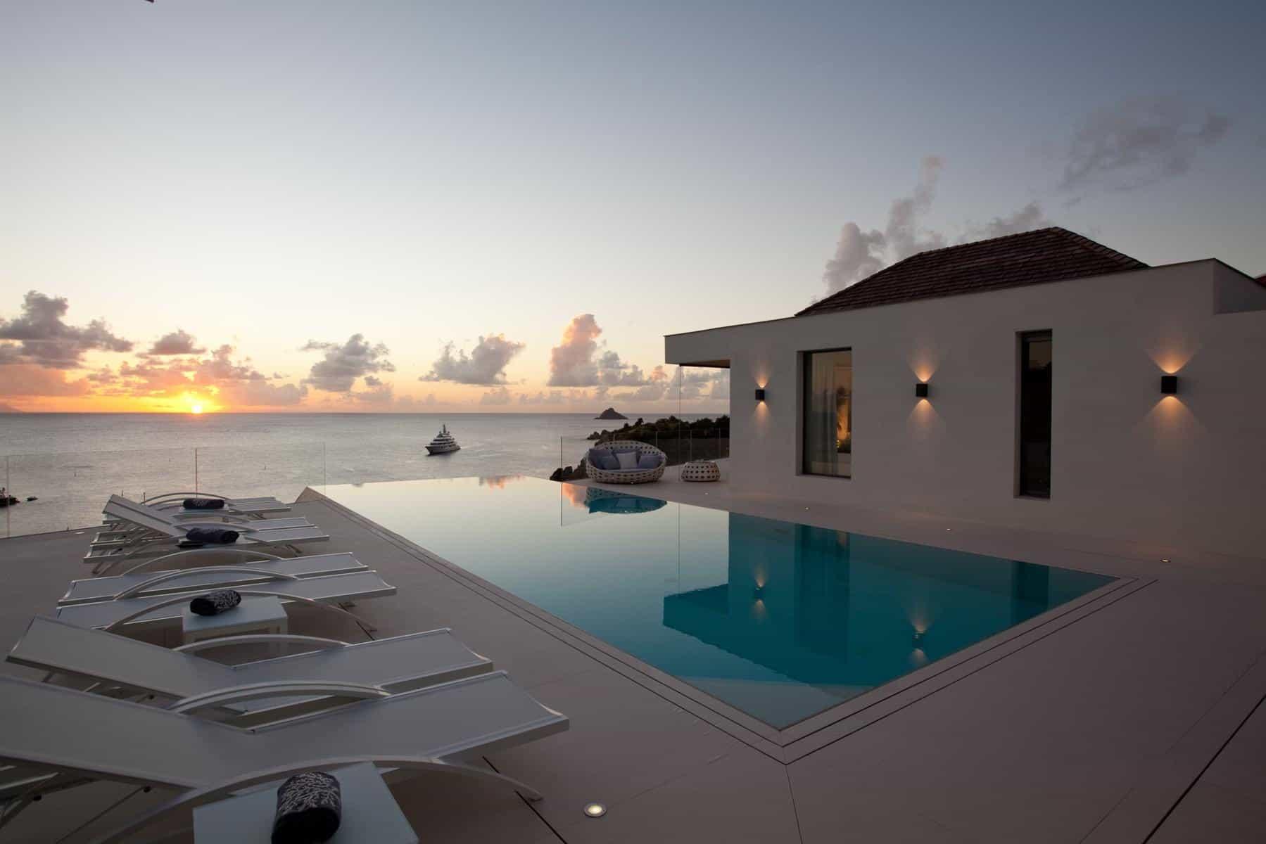 Luxury villas with infinity edge pools rental escapes for Villas with infinity pools