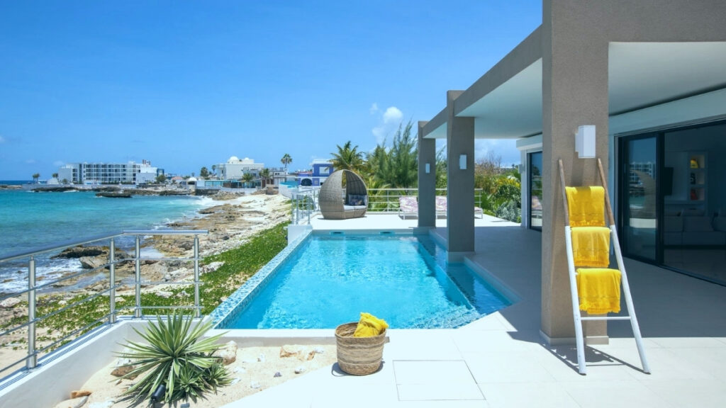 Villa Alma near one of the best beaches in St Martin - Maho Beach
