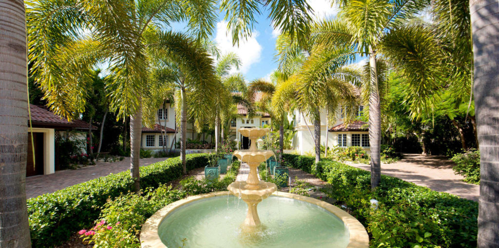 Luxury villa rentals caribbean - Cayman islands - Grand cayman - Seven mile beach - Coconut Walk