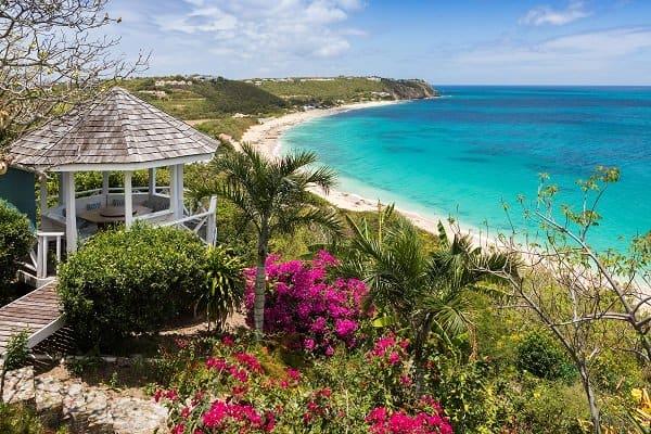 Differences between Saint Martin and Sint Maarten Terres Basses