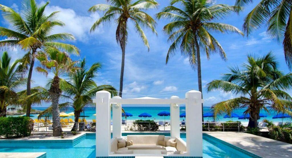differences between Saint Martin and Sint Maarten Coral Beach