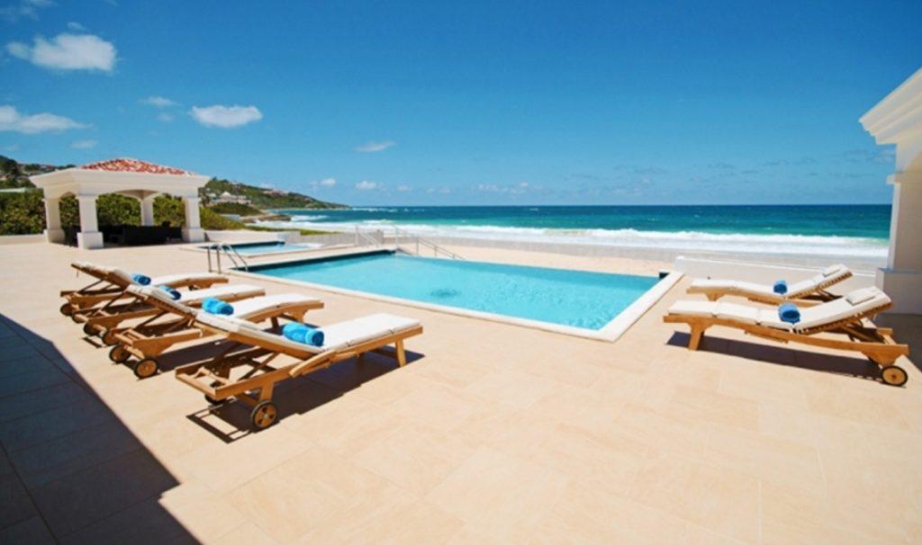 differences between Saint Martin and Sint Maarten Guana Bay