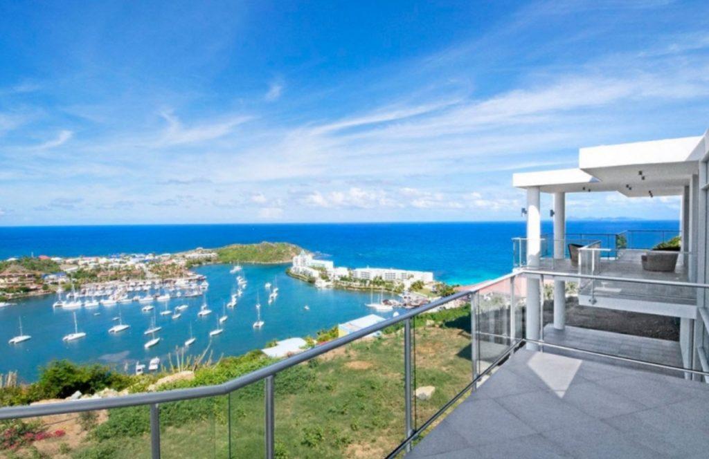 Differences between Saint Martin and Sint Maarten Oyster Pond