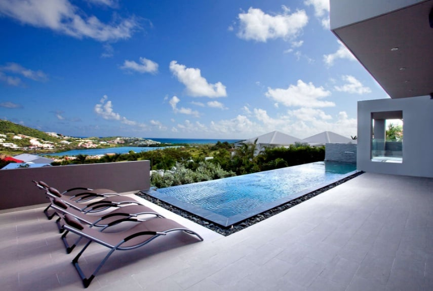 Group vacations in the Caribbean Orient Bay
