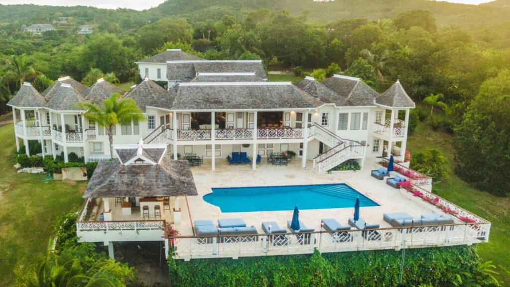 staffed jamaica luxury villa rentals