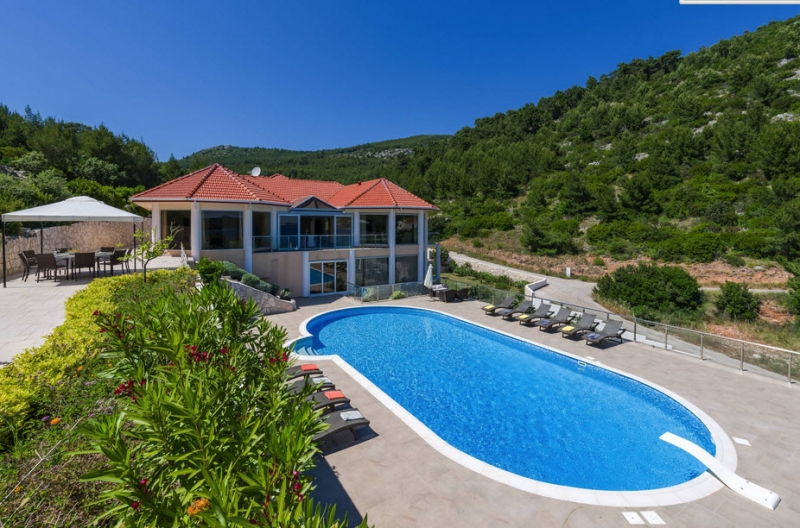 Luxury Villa Zaglav