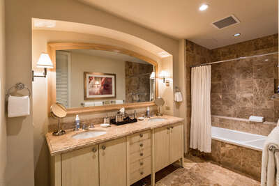 Second Bedroom En-Suite Marble Bath