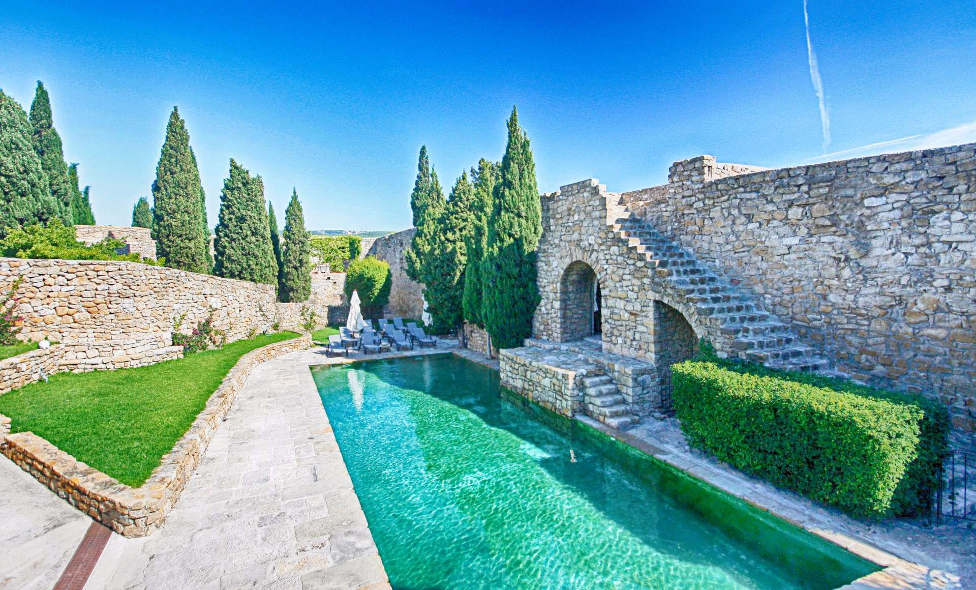 Luxury vacation rentals europe - France - Provence ih - Cassis - Chateau de Cassis - Image 1/32