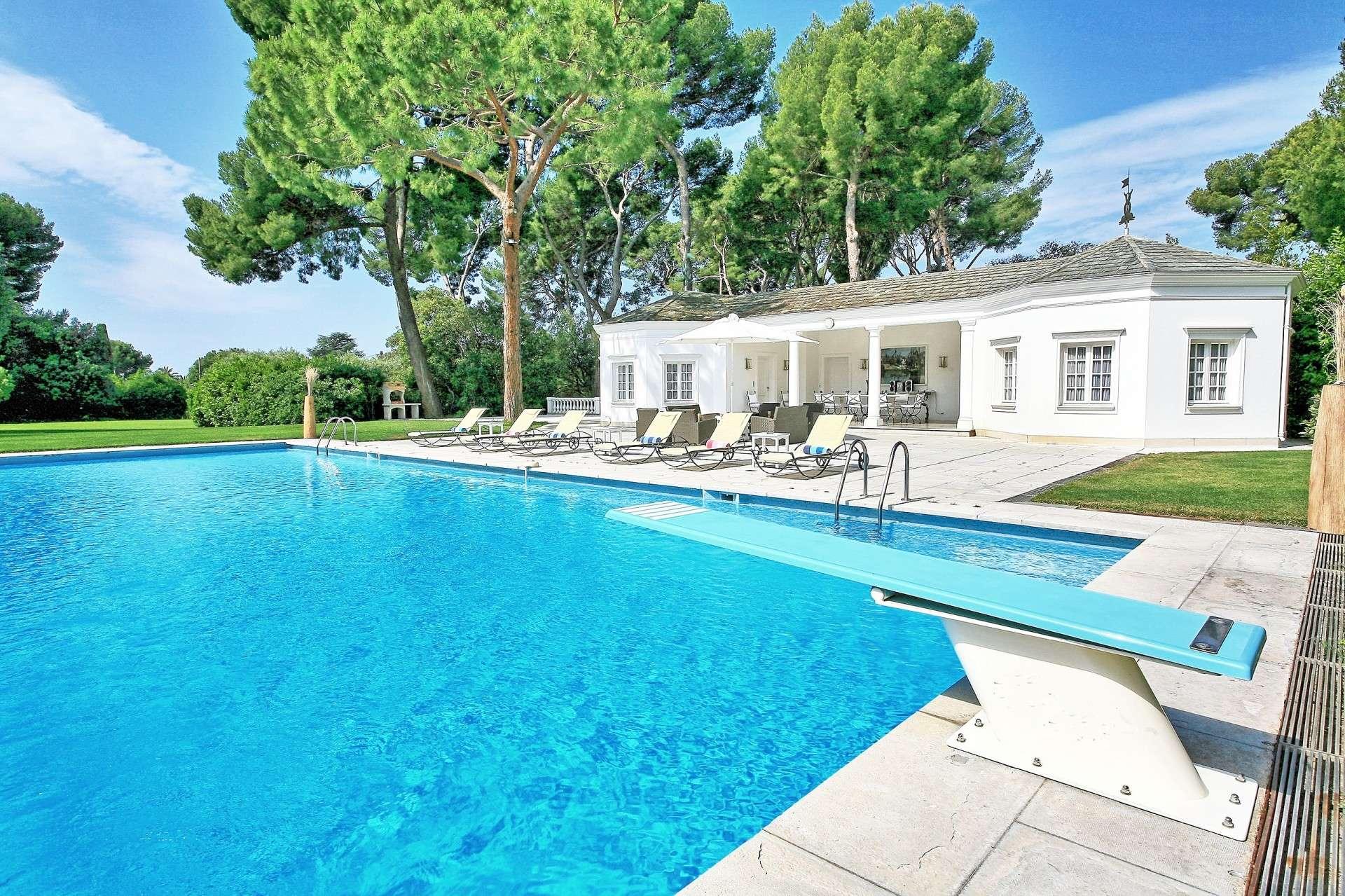 Luxury vacation rentals europe - France - Frenchriviera - Antibes - Villa du Phare - Image 1/23