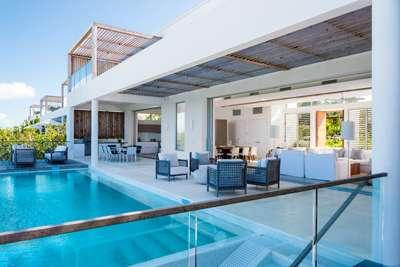 Beachfront Villa | 5 Bedrooms