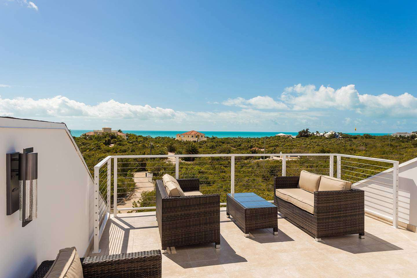 Luxury villa rentals caribbean - Turks and caicos - Providenciales - Long bay - Surf Lodge - Image 1/17