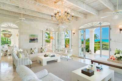 Luxury Villa Photo #23