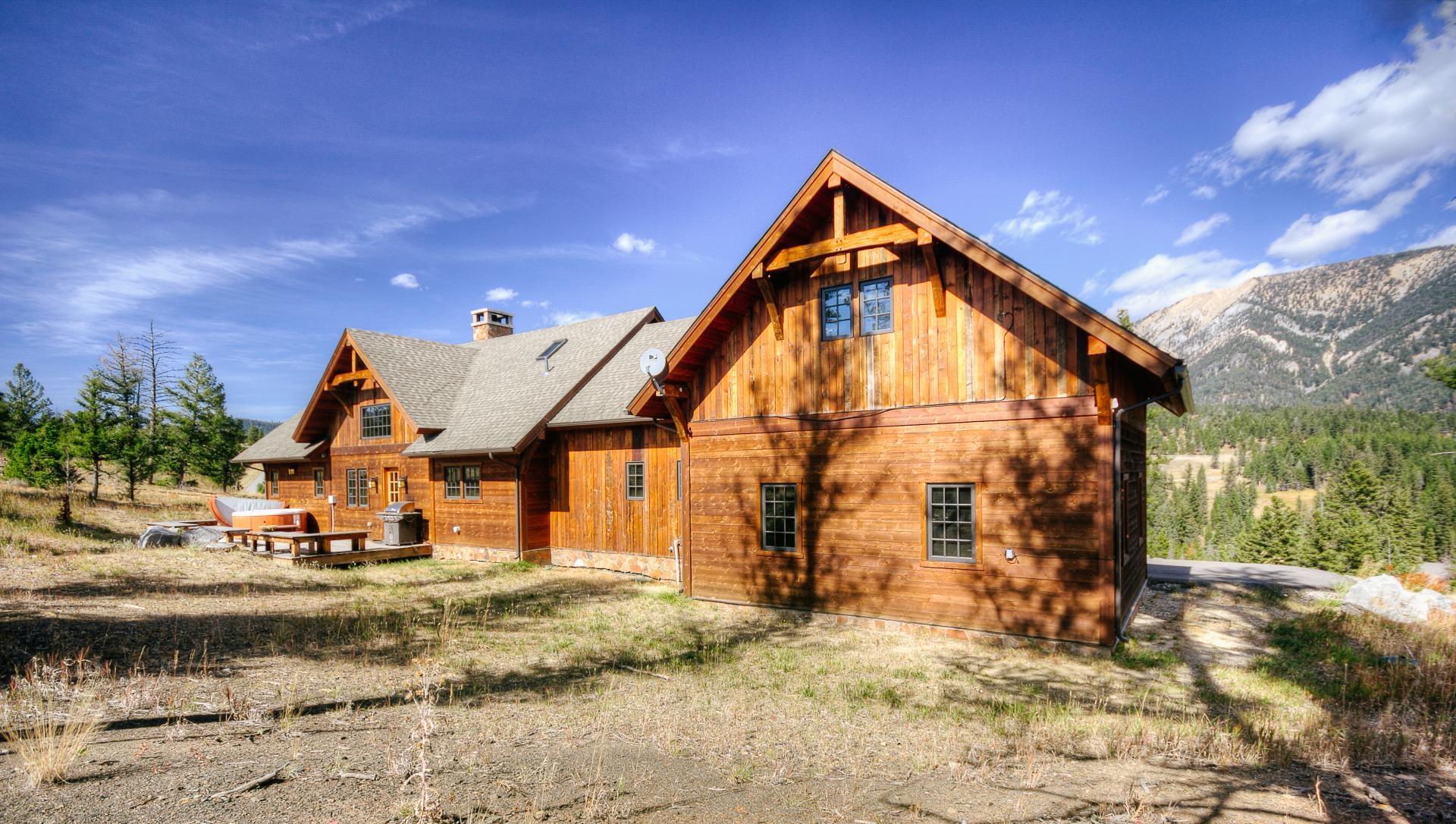 - Antler Ridge Lodge - Image 1/48