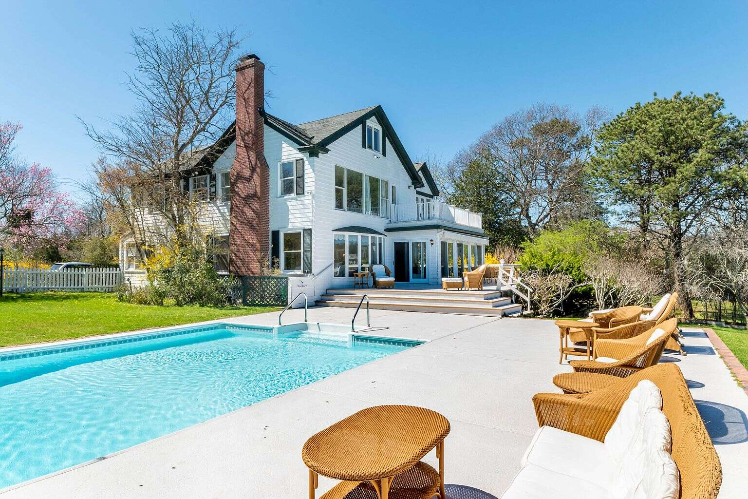 Luxury vacation rentals usa - New york - Hamptons - Westhampton beach - Stately Waterfront Home - Image 1/41