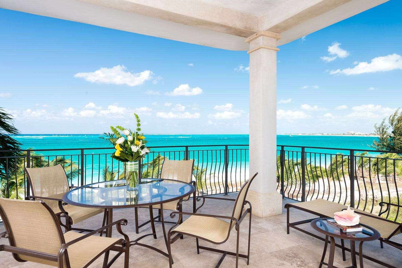 Luxury villa rentals caribbean - Turks and caicos - Providenciales - Bianca sands on grace bay - 1 BDM Oceanfront Suite - Image 1/5