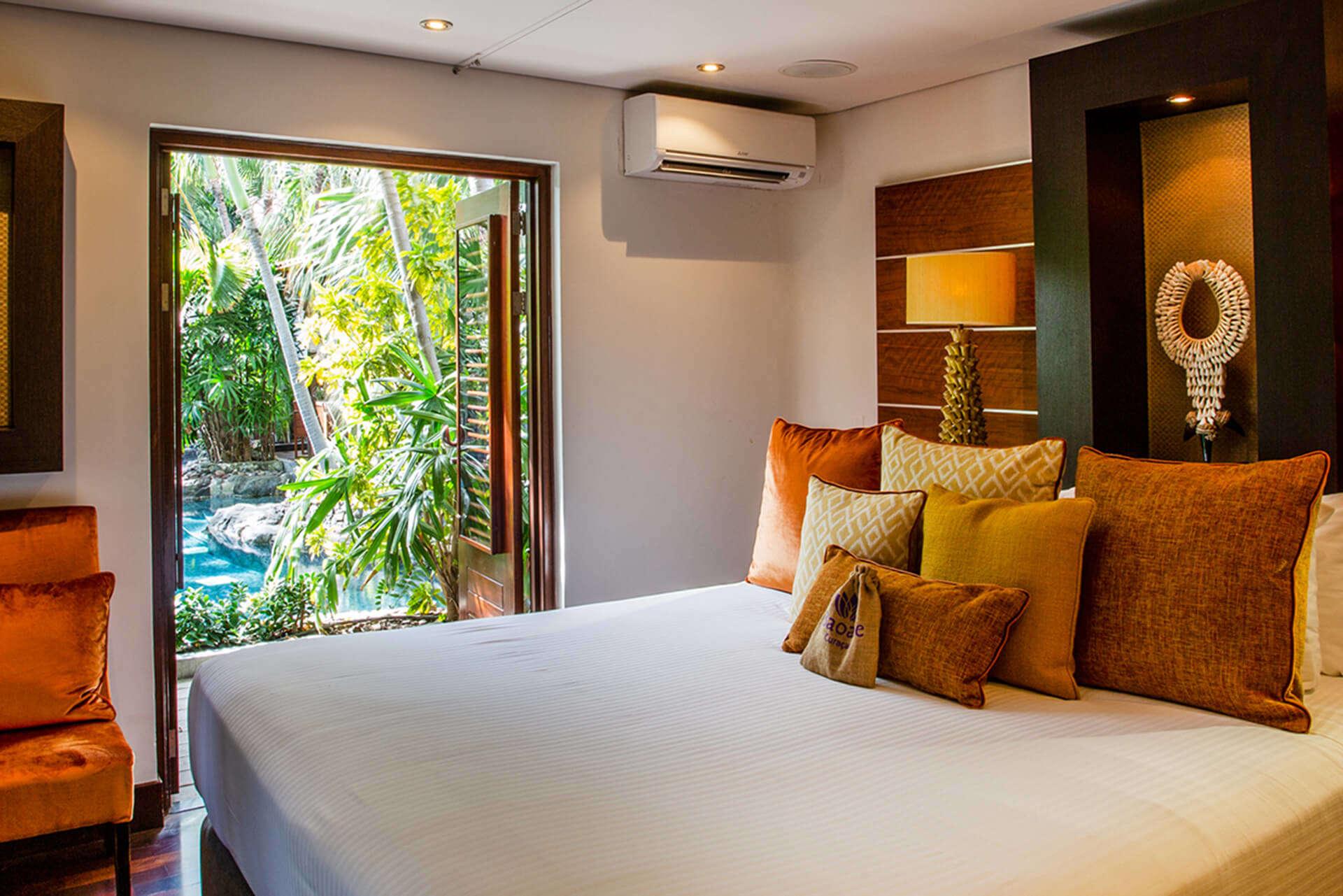 Luxury villa rentals caribbean - Curacao - Baoase luxury resort - No location 4 - Romantic Pool Suite - Image 1/8