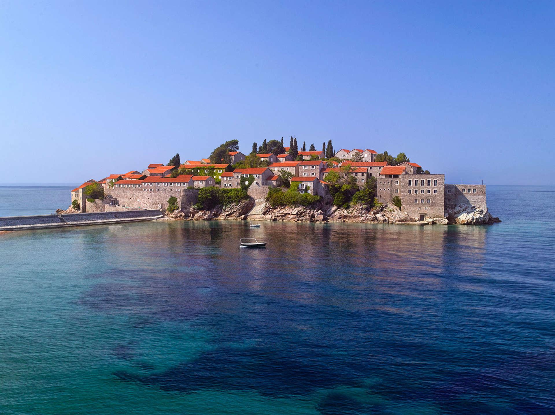 Luxury vacation rentals europe - Montenegro - Aman sveti stefan - No location 4 - Cottage | Aman Sveti Stefan - Image 1/10