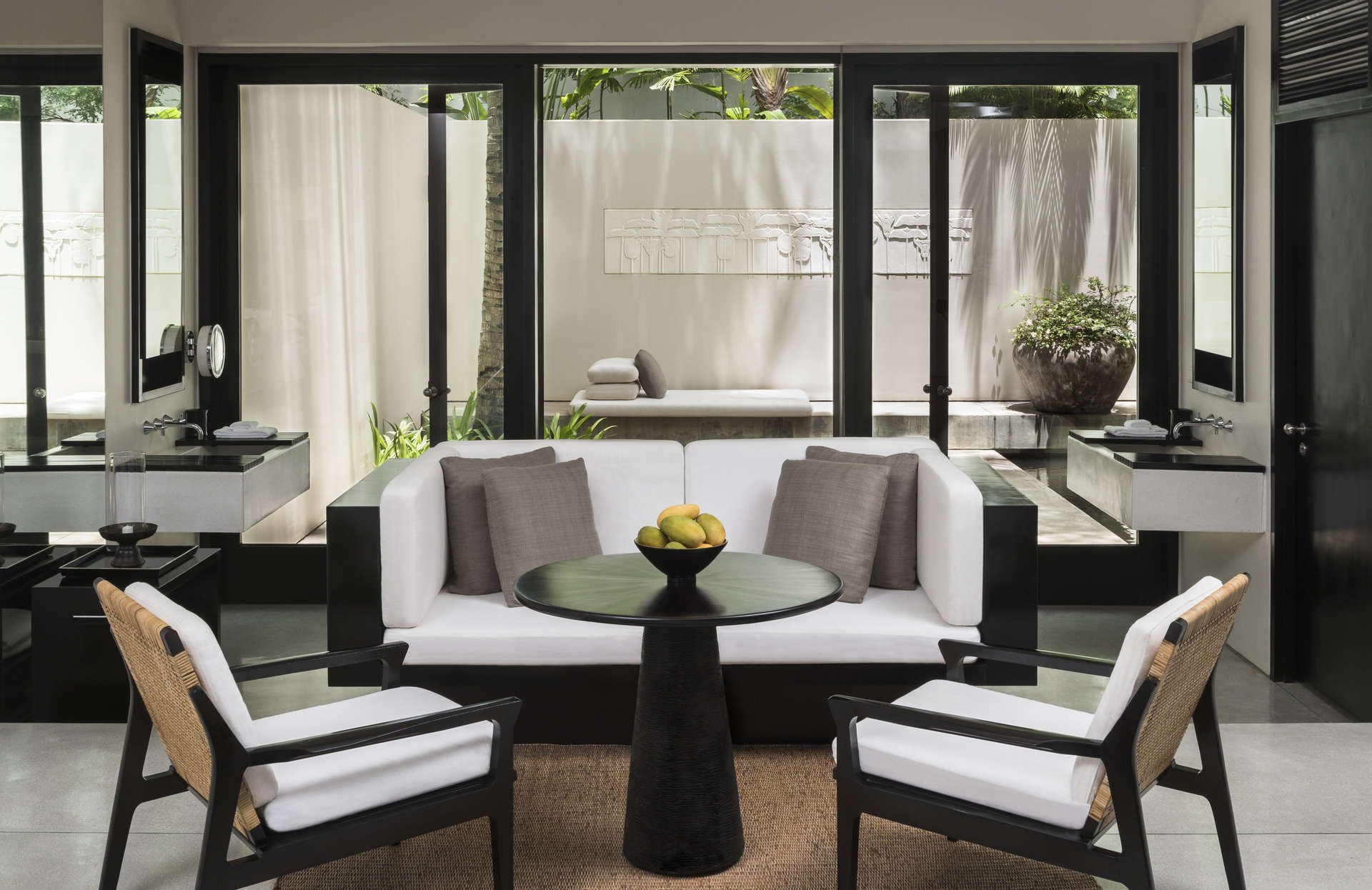 - Courtyard Suite | Amansara - Image 1/8