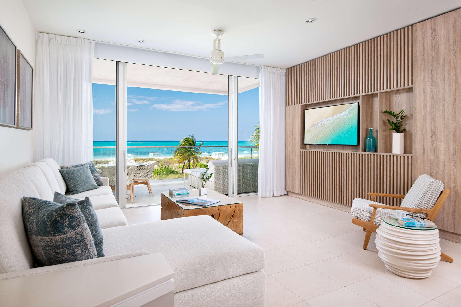 - Oceanfront One Bedroom Suite - Image 1/12