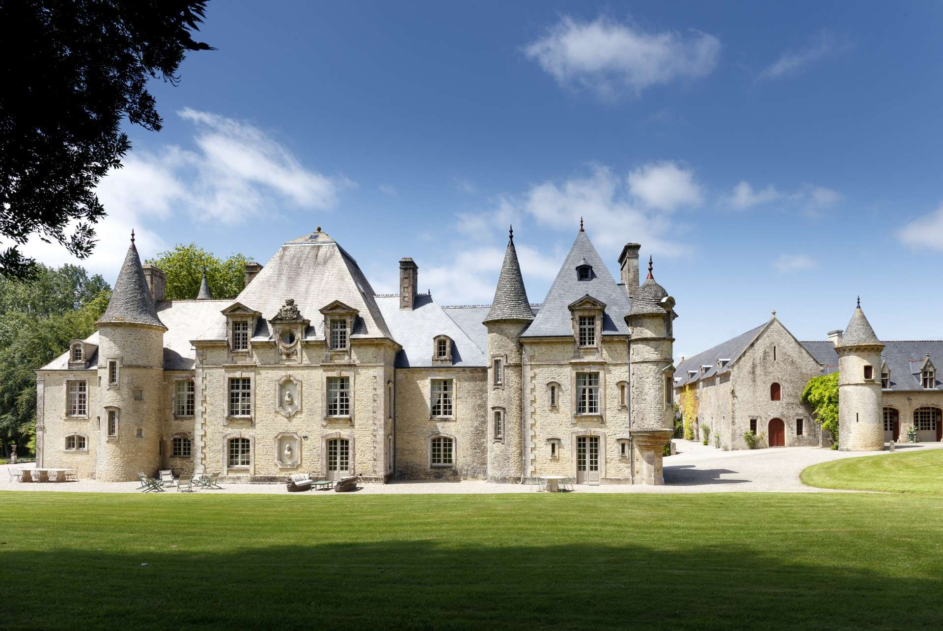 Luxury vacation rentals europe - France - Normandy - Cherbourg - Chateau Yvetot - Image 1/31