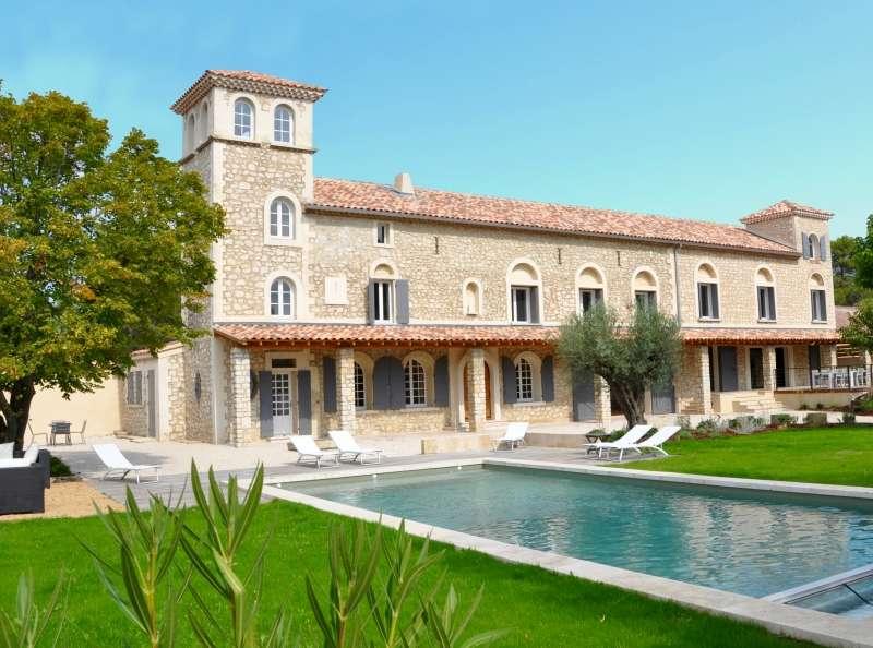 - Villa Noves - Image 1/39