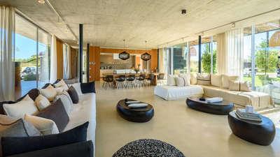 Luxury Villa Photo #15