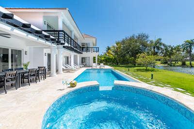 Cocotal Mansion