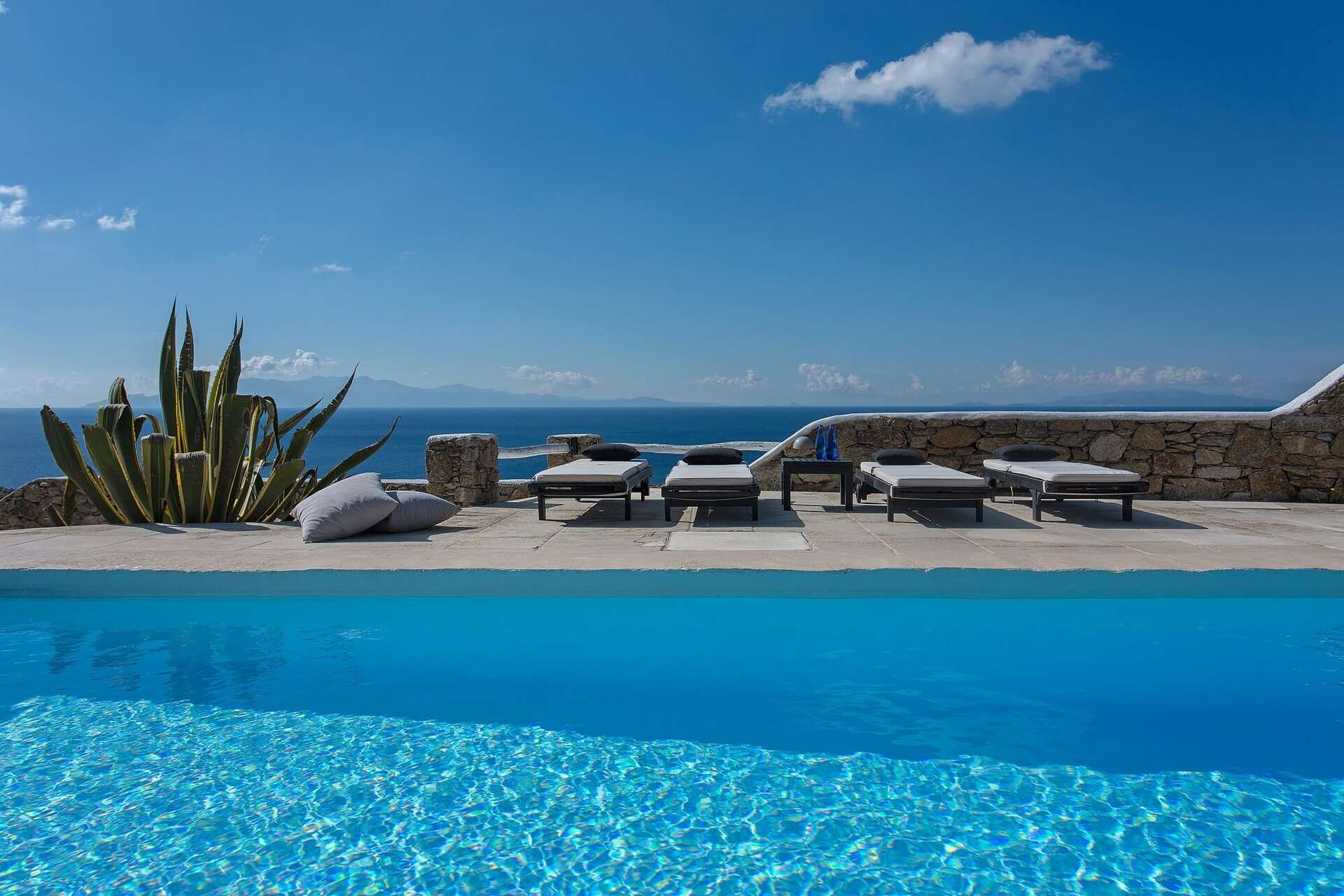 Luxury vacation rentals europe - Greece - Mykonos - Super paradise - Villa Carina - Image 1/25