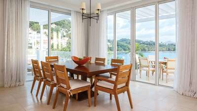 Luxury 2 Bedroom Beachfront Villa