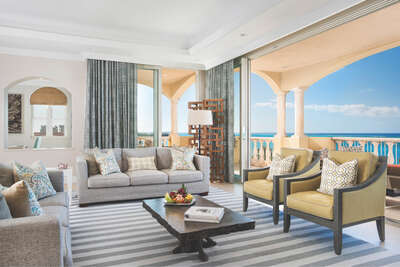 Estate Penthouse Residence