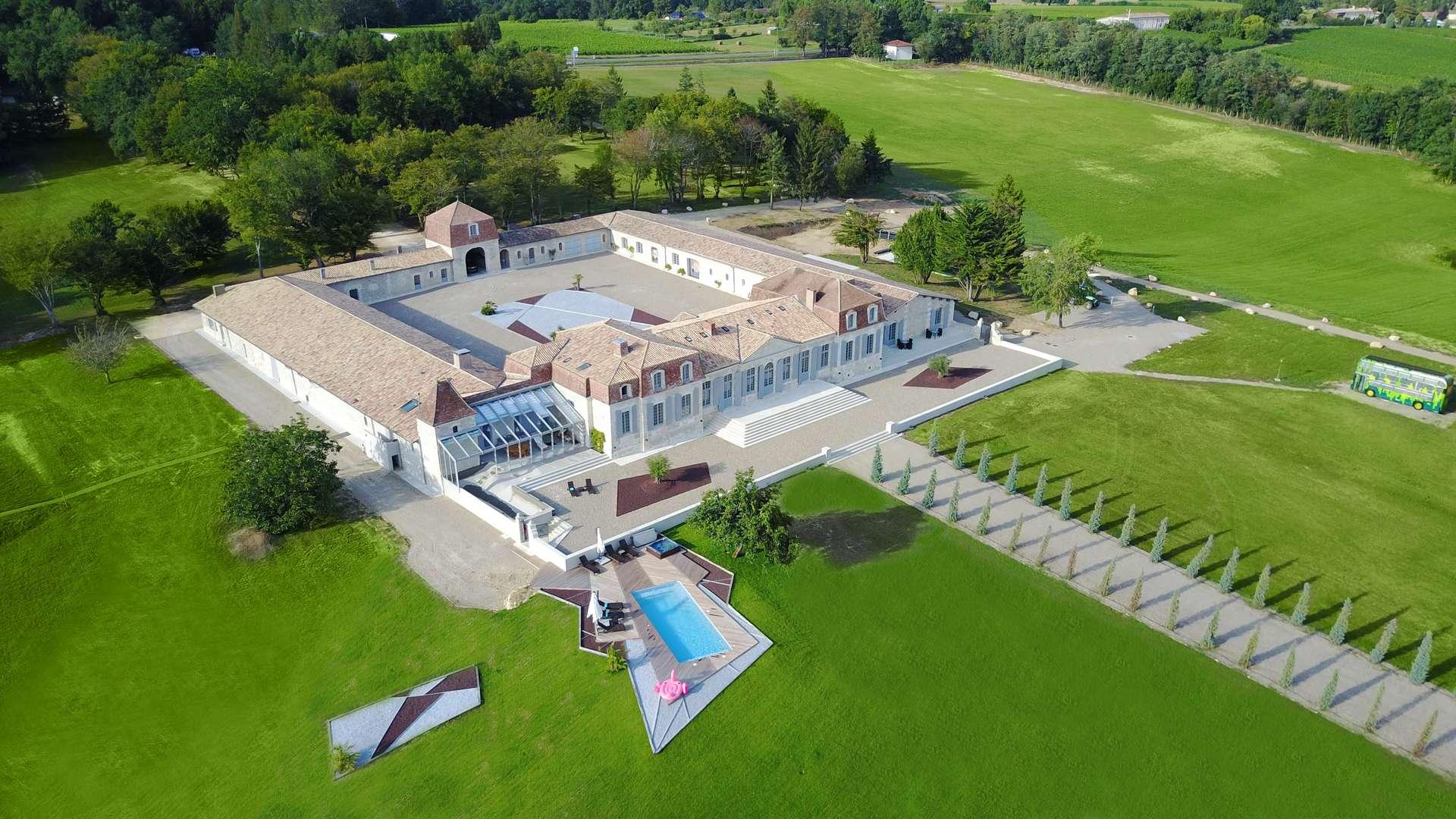 Luxury vacation rentals europe - France - Southwest france - Bord eaux - Chateau Prestige - Image 1/35