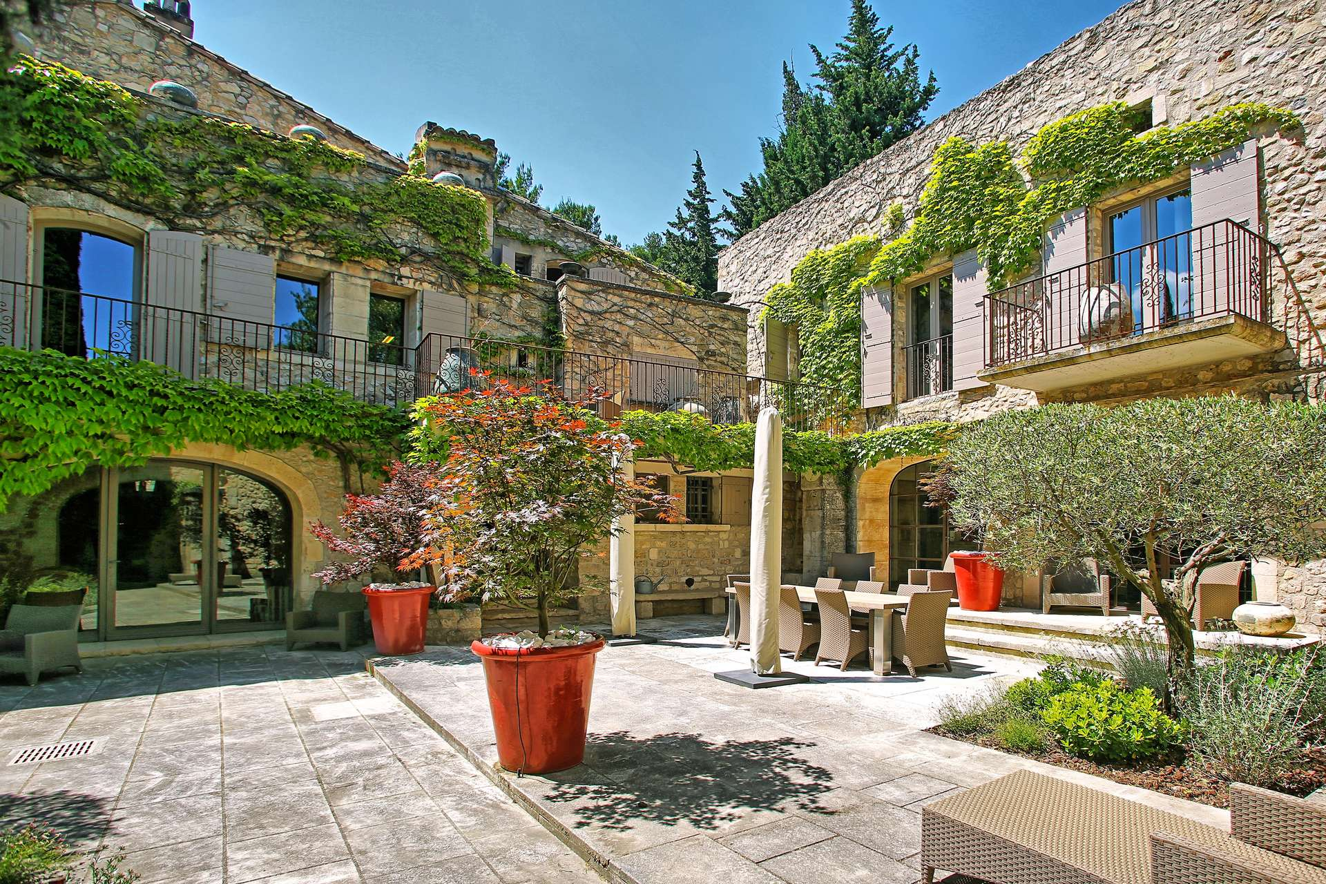 Luxury vacation rentals europe - France - Provence ih - Saint remy de provence - Maussane - Image 1/24