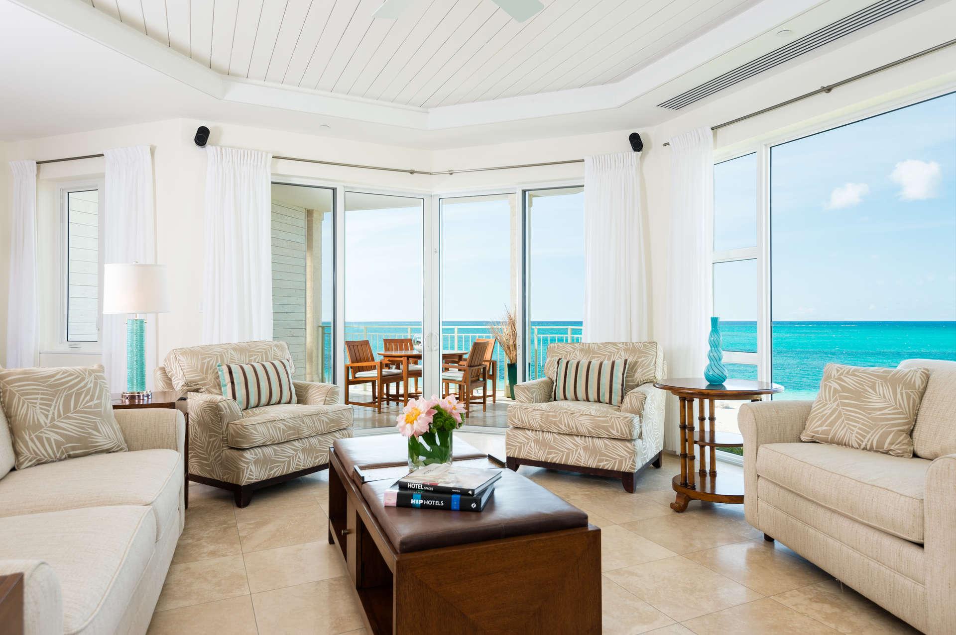 - Ocean Front Luxury 1 Bedroom Suite - Image 1/7