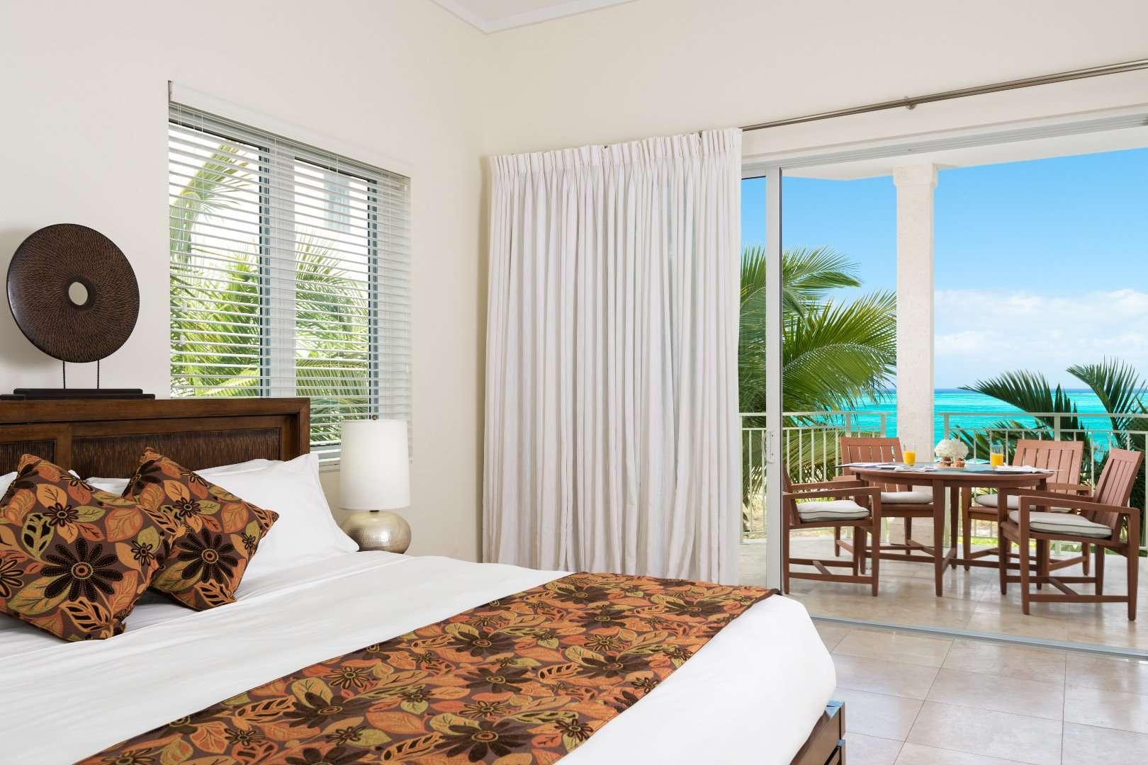 - Oceanfront Luxury 4 BDM Suite - Image 1/6