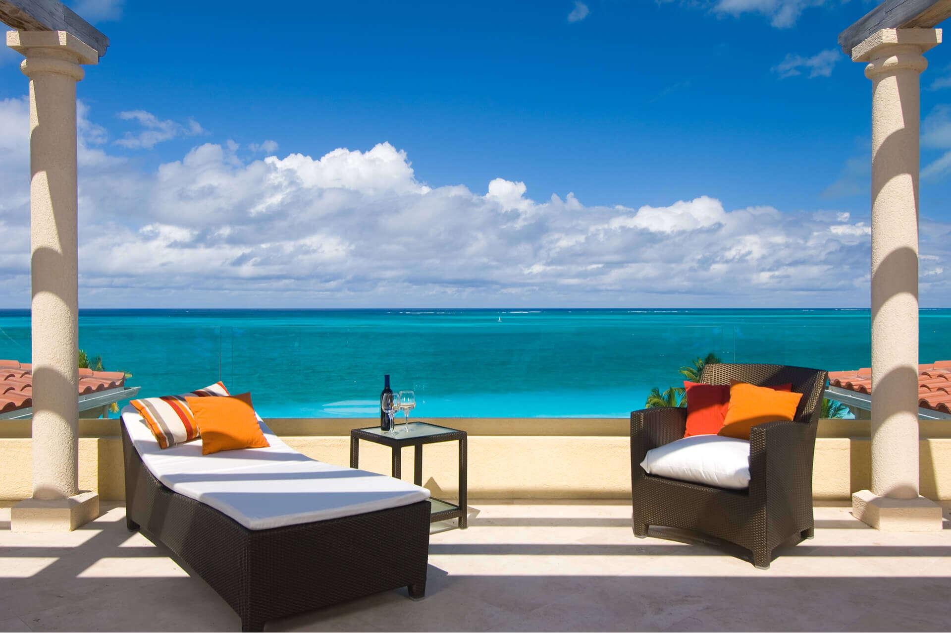 - Villas Grace Bay Penthouse Suite - Image 1/16
