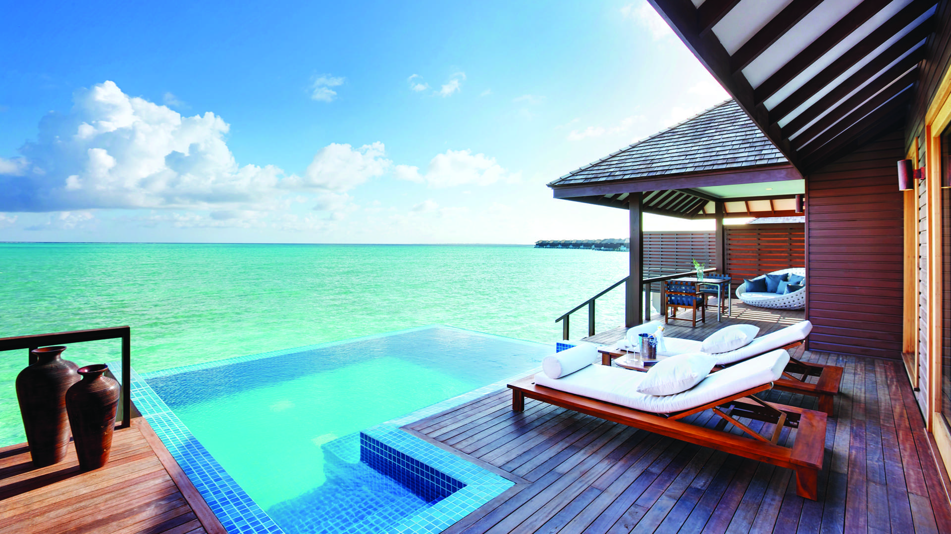 - Deluxe Water Villa with Pool - Image 1/5