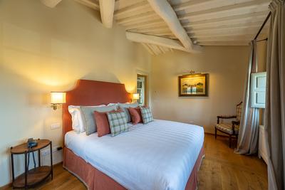 Luxury Villa Photo #18