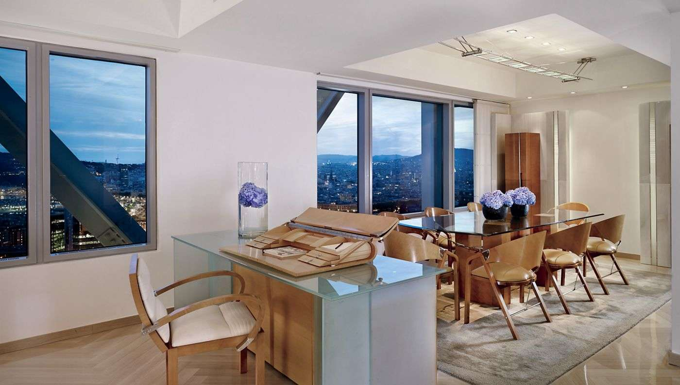 - 2 Bedroom Penthouse | Hotel Arts - Image 1/5