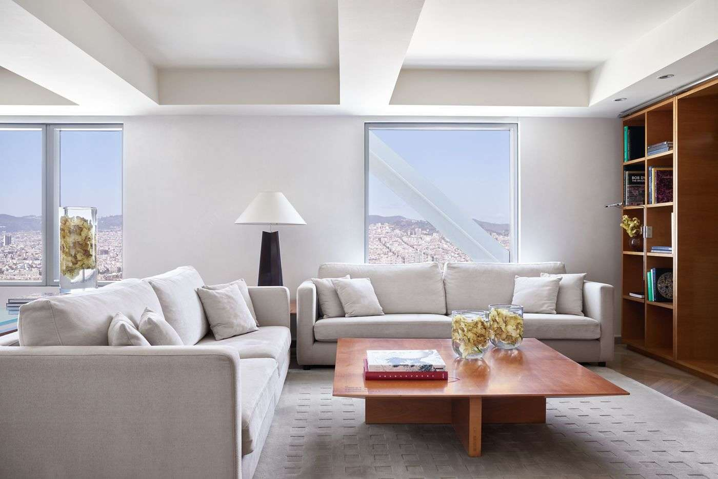 - 1 Bedroom Penthouse | Hotel Arts - Image 1/5