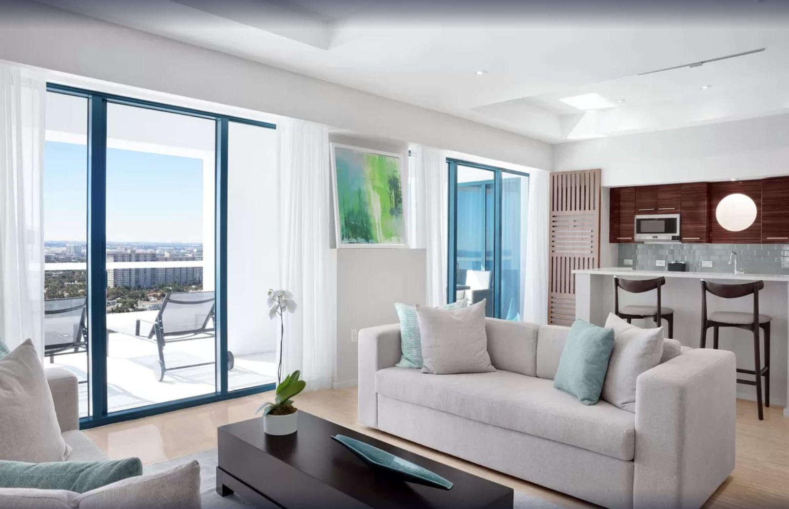 - 4 BDM Oceanfront Penthouse - Image 1/10