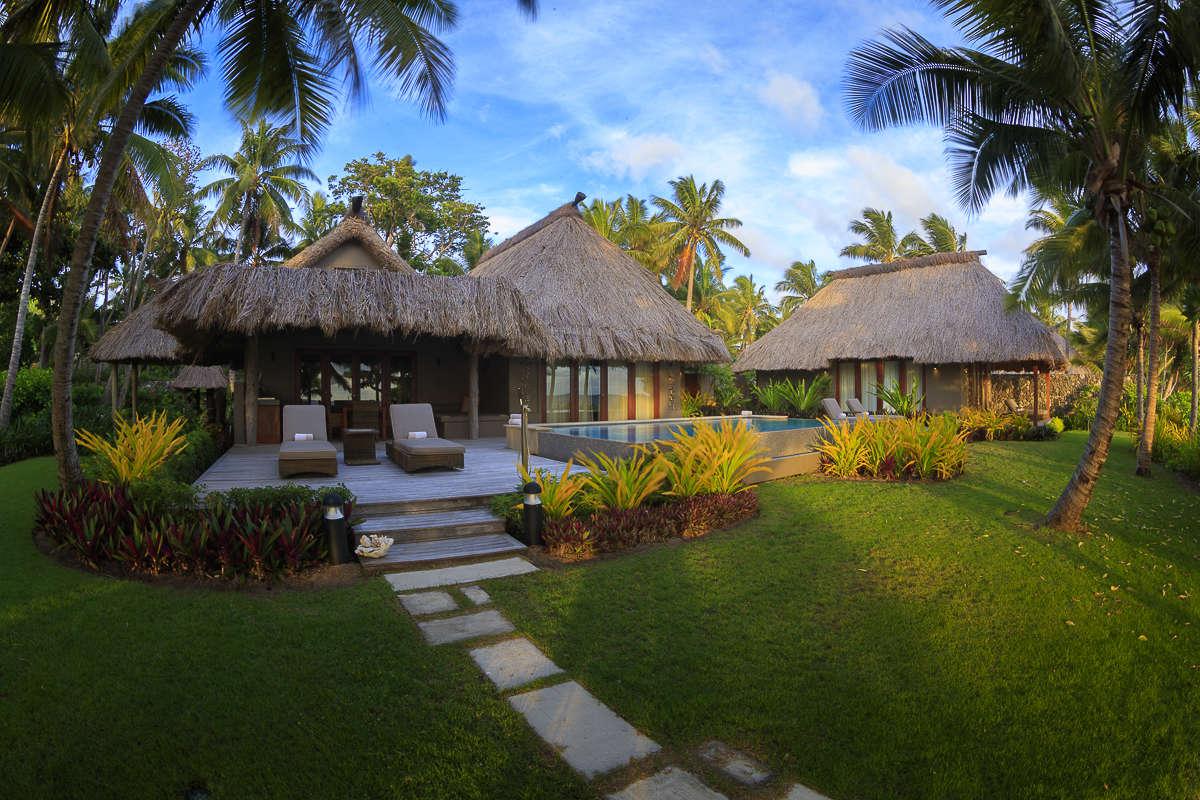 - 2 BDM Beachfront Villa - Image 1/14