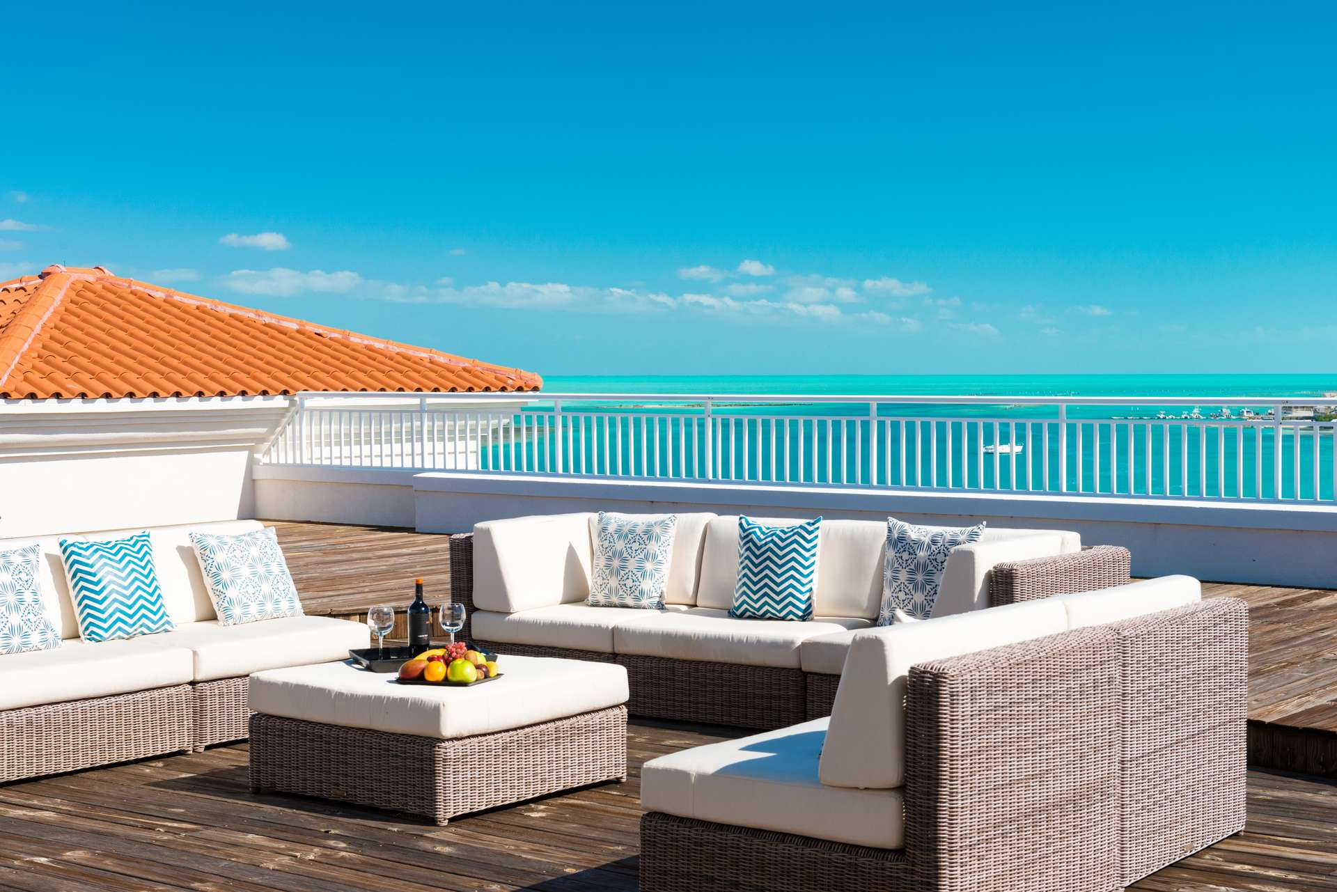 Luxury villa rentals caribbean - Turks and caicos - Providenciales - Blue haven resort - Ocean Front Penthouse | 2 Bedrooms - Image 1/7