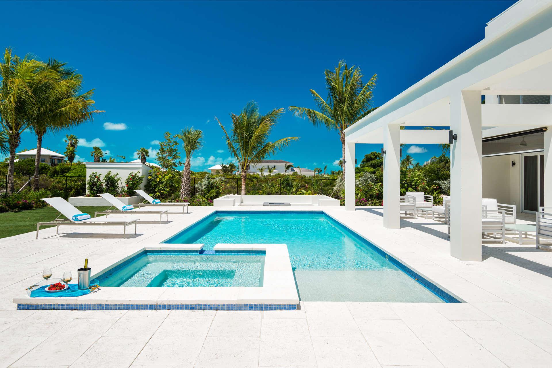 Luxury villa rentals caribbean - Turks and caicos - Providenciales - Grace bay - Turquoise Villa - Image 1/21