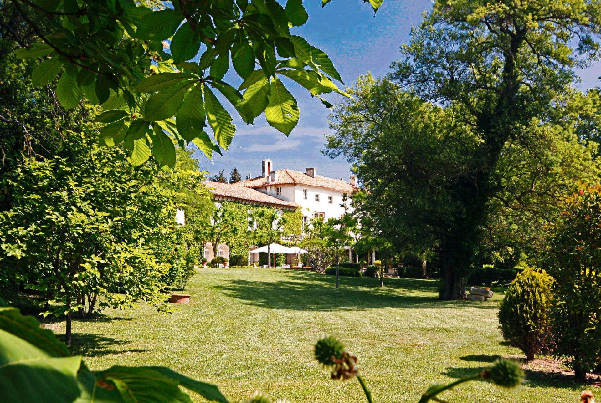 Luxury vacation rentals europe - France - Provence ih - Avi gnon - Chateau de Villeneuve - Image 1/24