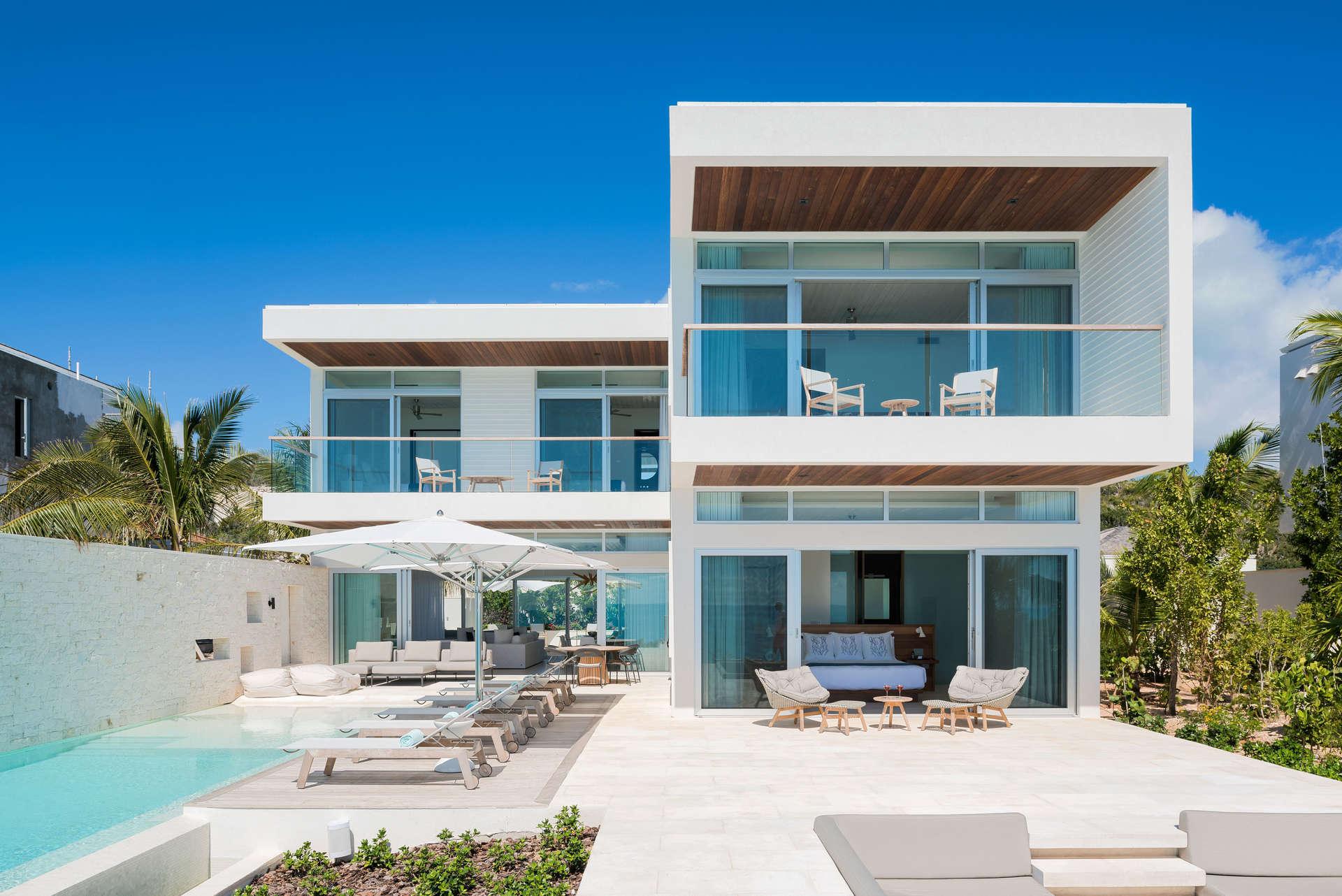 - Buena Villa - Image 1/7