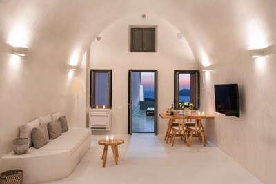 Luxury Villa Photo #1