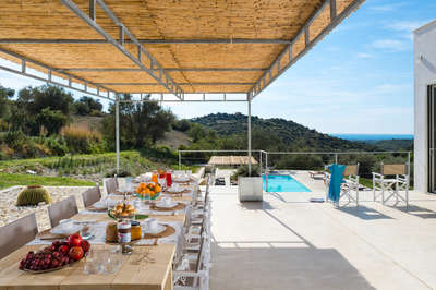 Luxury Villa Photo #8