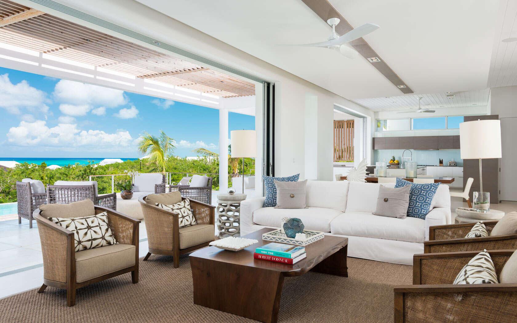 - 4 Bedroom Ocean View Villa - Image 1/24