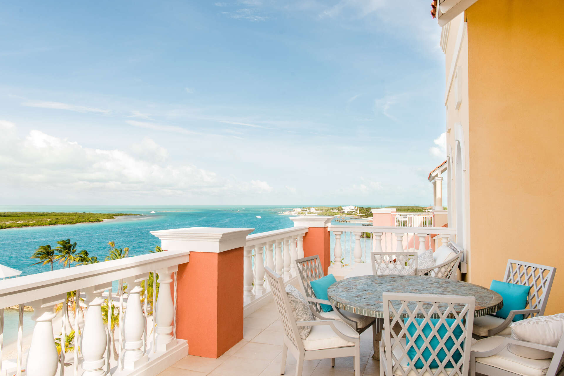 Luxury villa rentals caribbean - Turks and caicos - Providenciales - Blue haven resort - Ocean Front Master Penthouse | 2 Bedrooms - Image 1/10